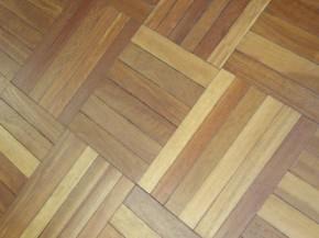 podłoga z drewna egzotycznego