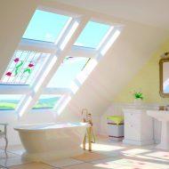 Światło w łazience, okno uchylno-obrotowe