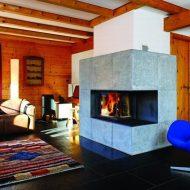 Kominek w drewnianym domu