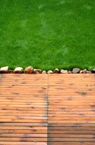 taras z drewna