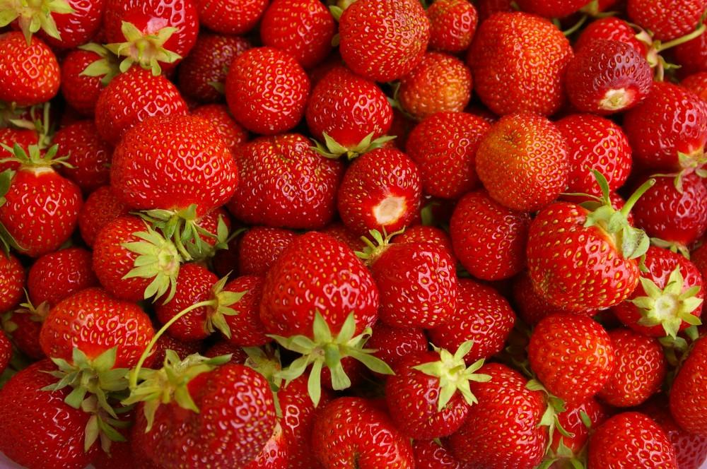 owoce truskawki