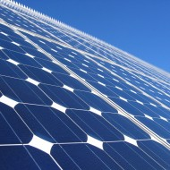panel solarny fot. solarpowerguidebook.com