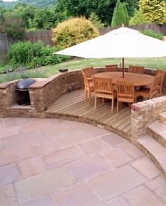 grill przenośny w ogrodzie fot. www.charleshogarth.co.uk
