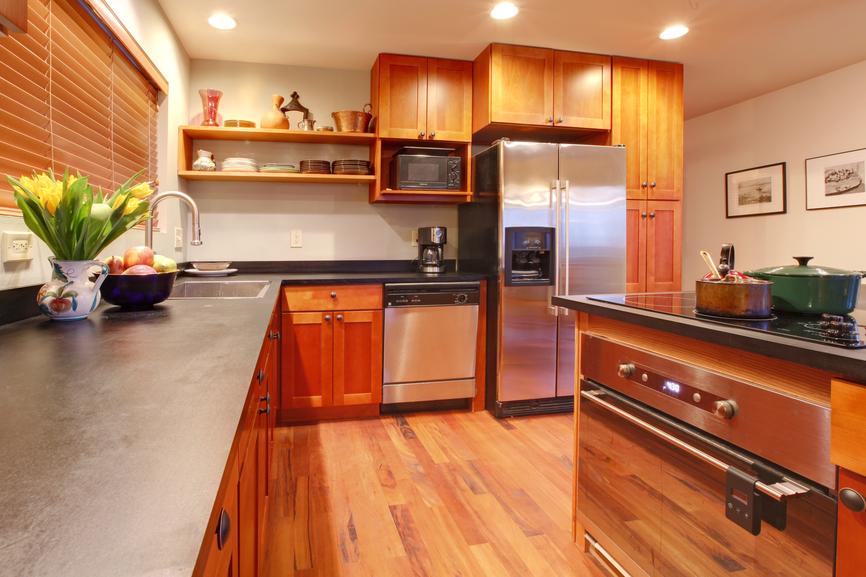 drewniane meble kuchenne wykonane na wymiar
